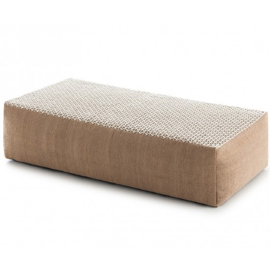 GAN SPACES RAW WHITE BIG POUF