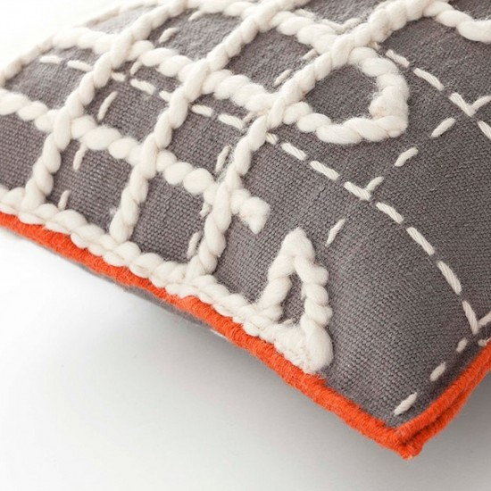 GAN SPACES BANDAS A GREY SINGLE CUSHION