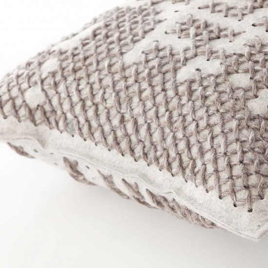 GAN SPACES CANEVAS ABSTRACT SILVER CUSHION