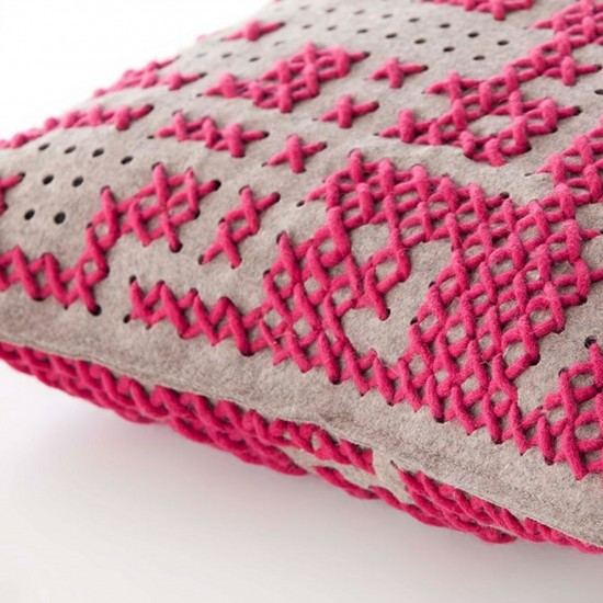 GAN SPACES CANEVAS ABSTRACT PINK CUSHION