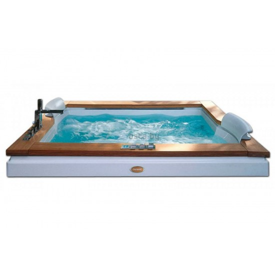 JACUZZI AURA PLUS WOOD BATHTUB