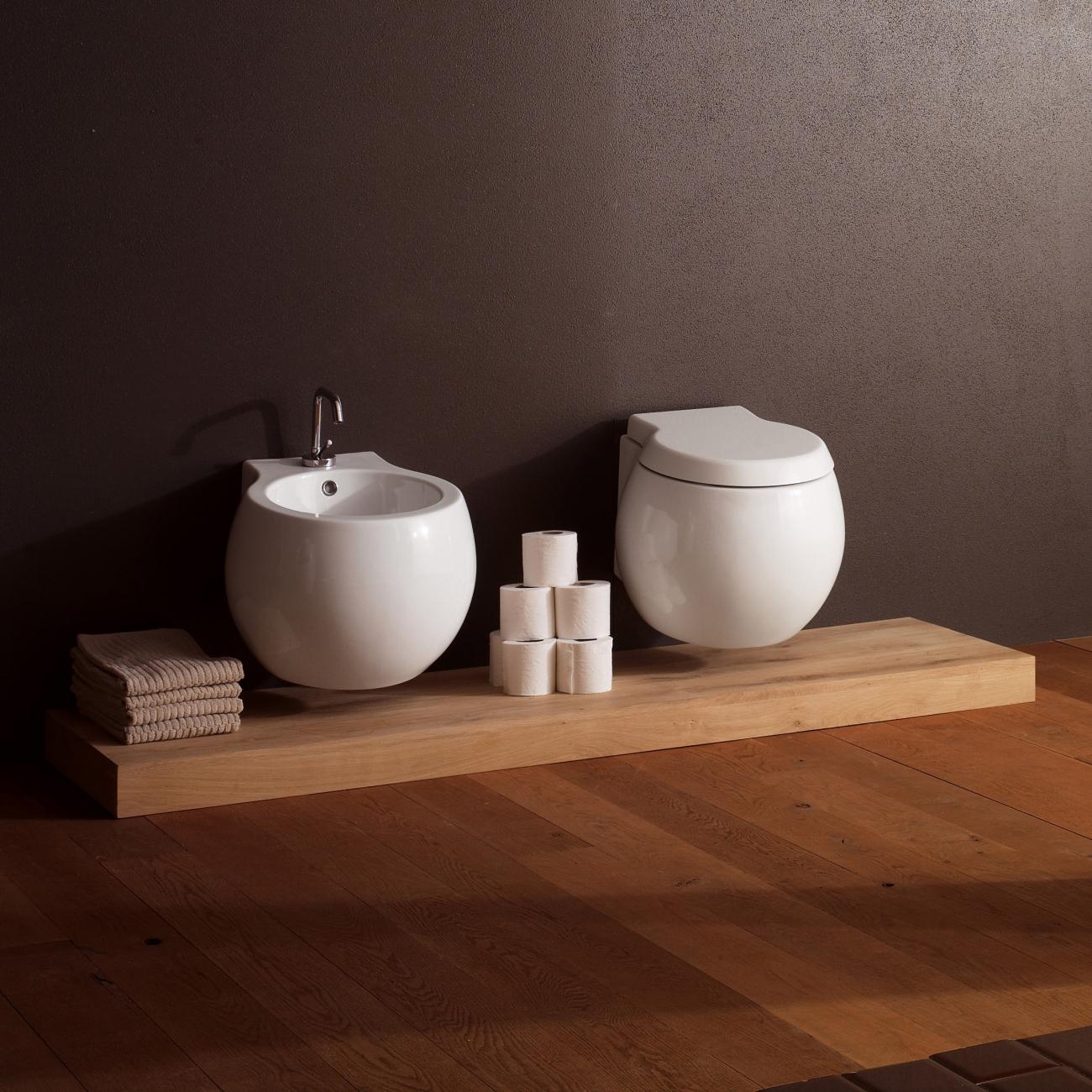 Planet scarabeo wc sospeso clean flush tattahome for Arredo planet