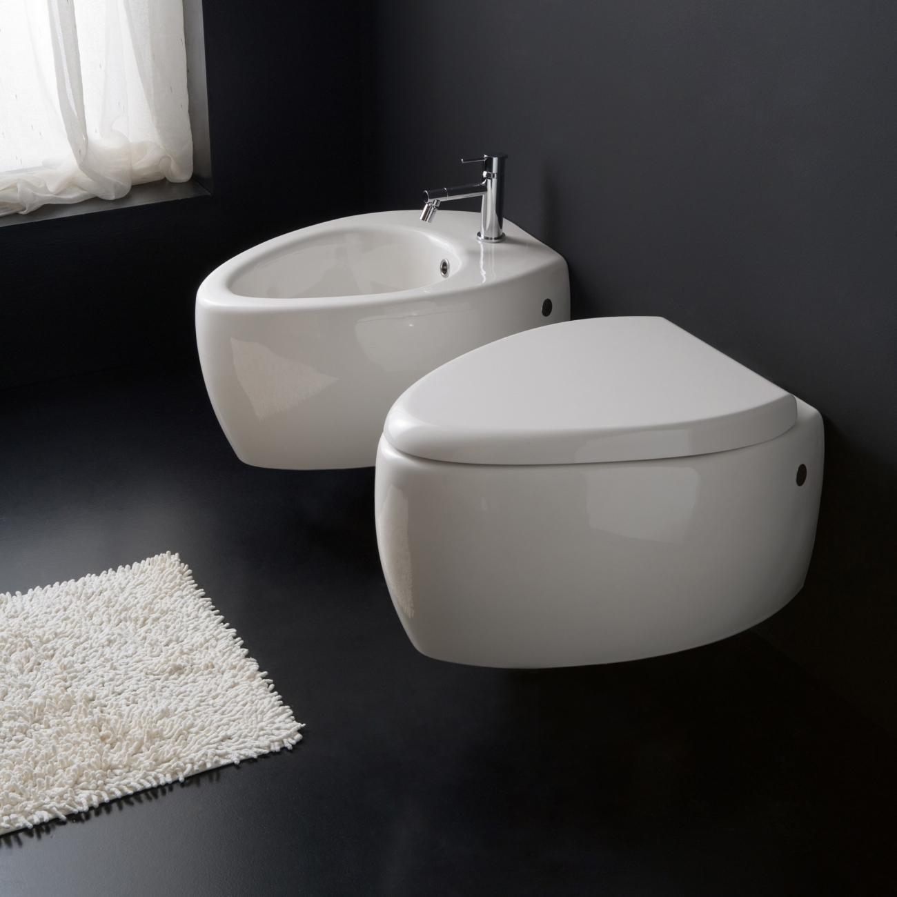 MOAI SCARABEO Wall-mounted WC
