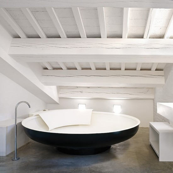 AGAPE UFO BATHTUB