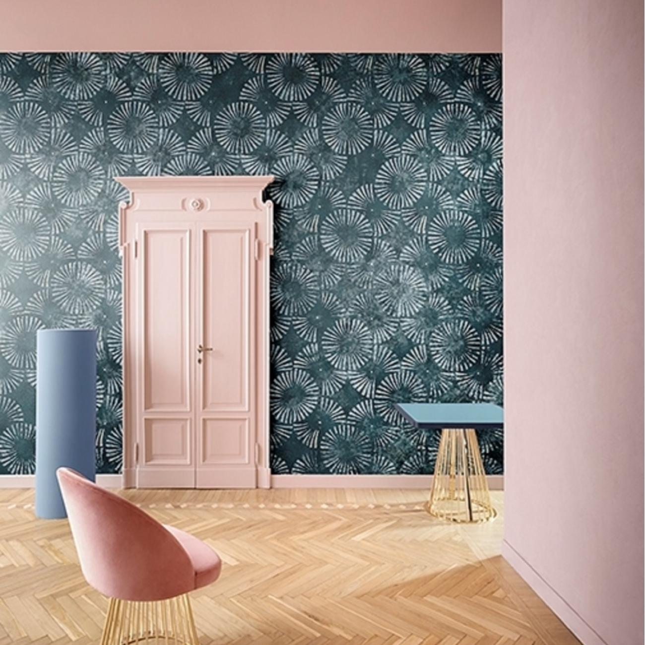 Wall & Decò Pale Blue Eyes Wallpaper