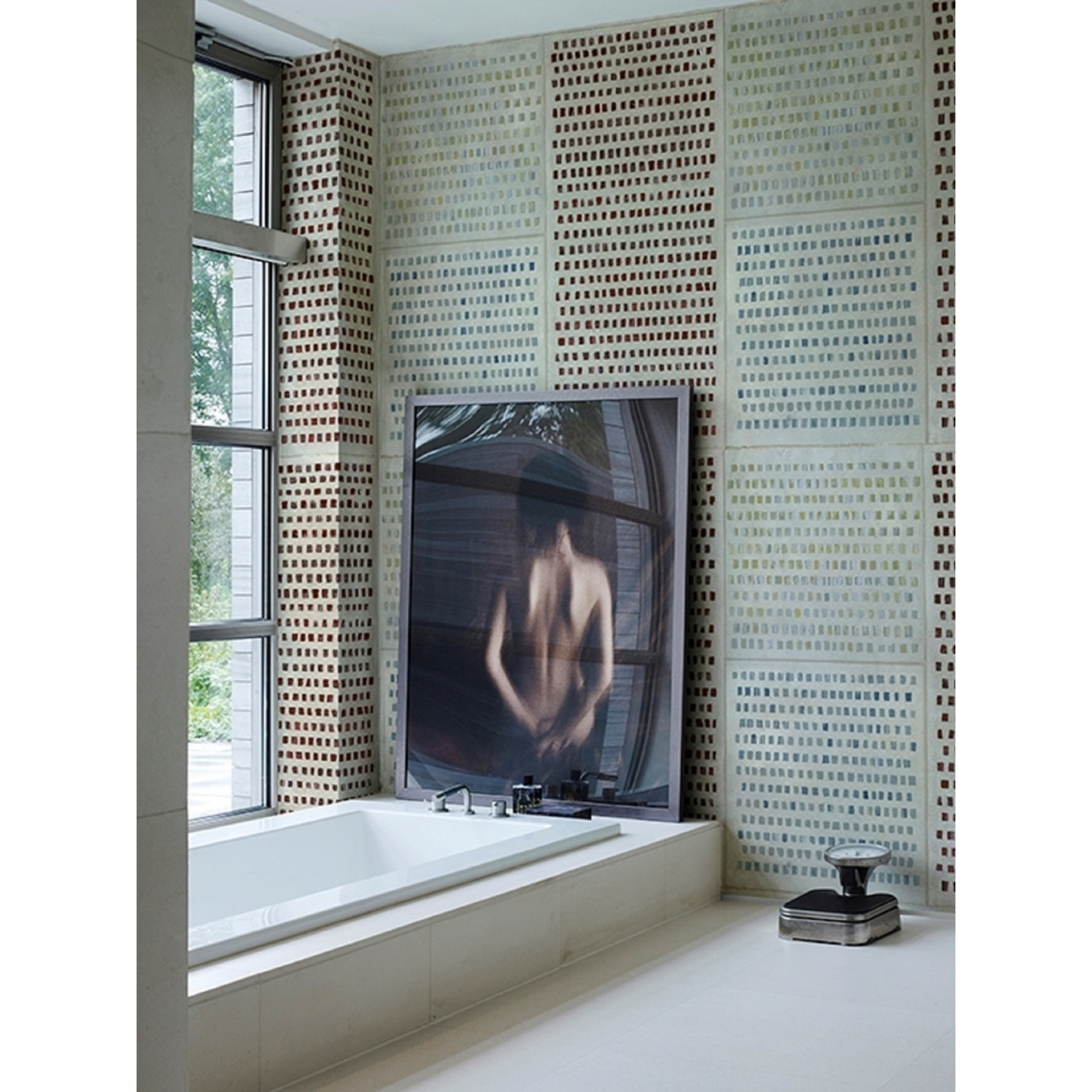 Wall & Decò WET SYSTEM CHANGING DOTS WALLPAPER - TattaHome
