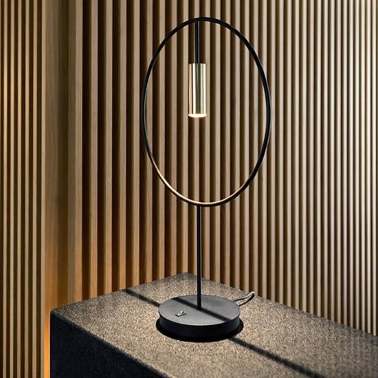 Estiluz Revolta table lamp