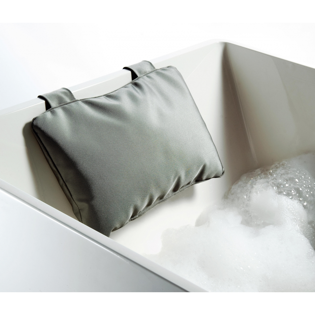 LOFT NK bath pillow nylon