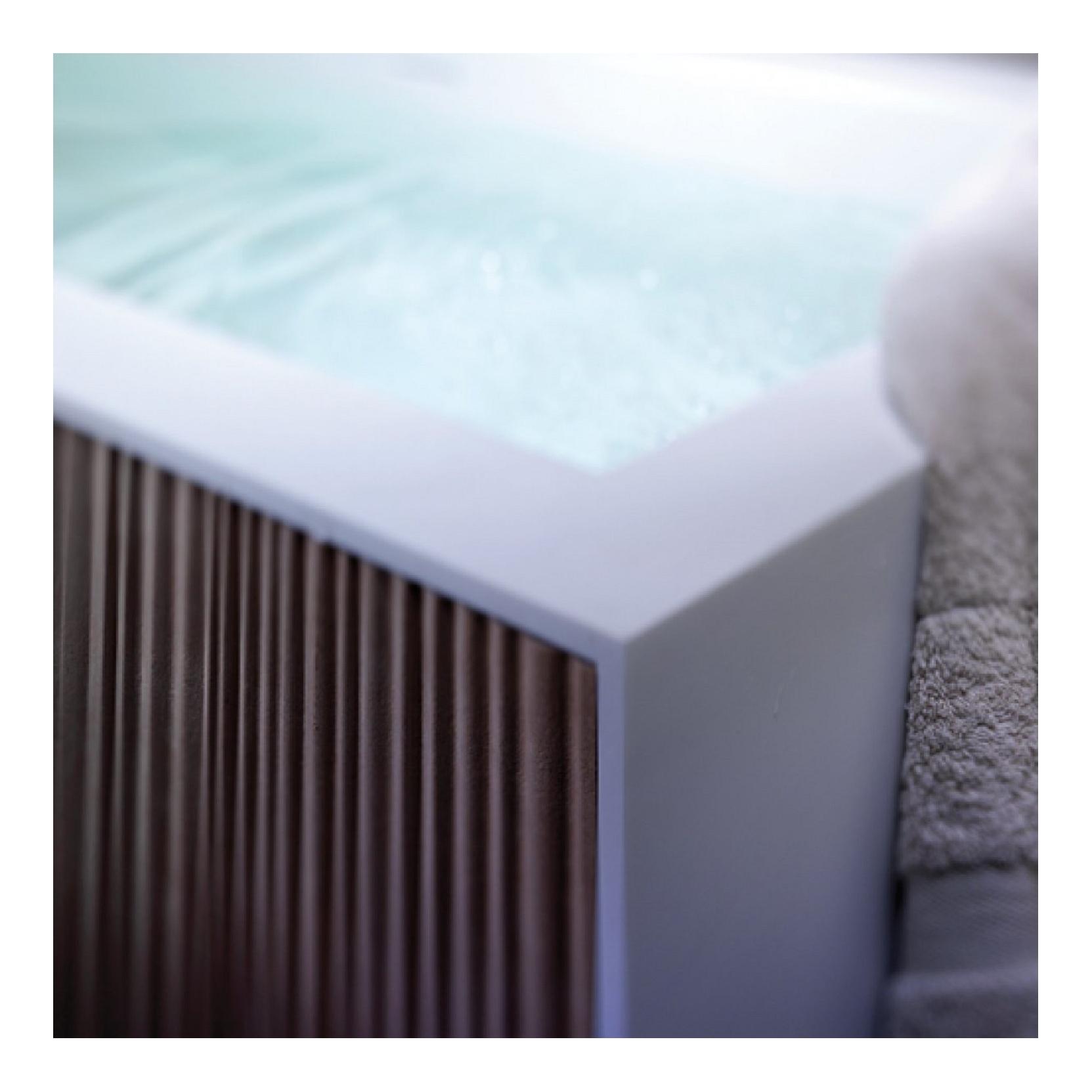 BLUBLEU VEER BATHTUB WITH PANELS RULE - TattaHome