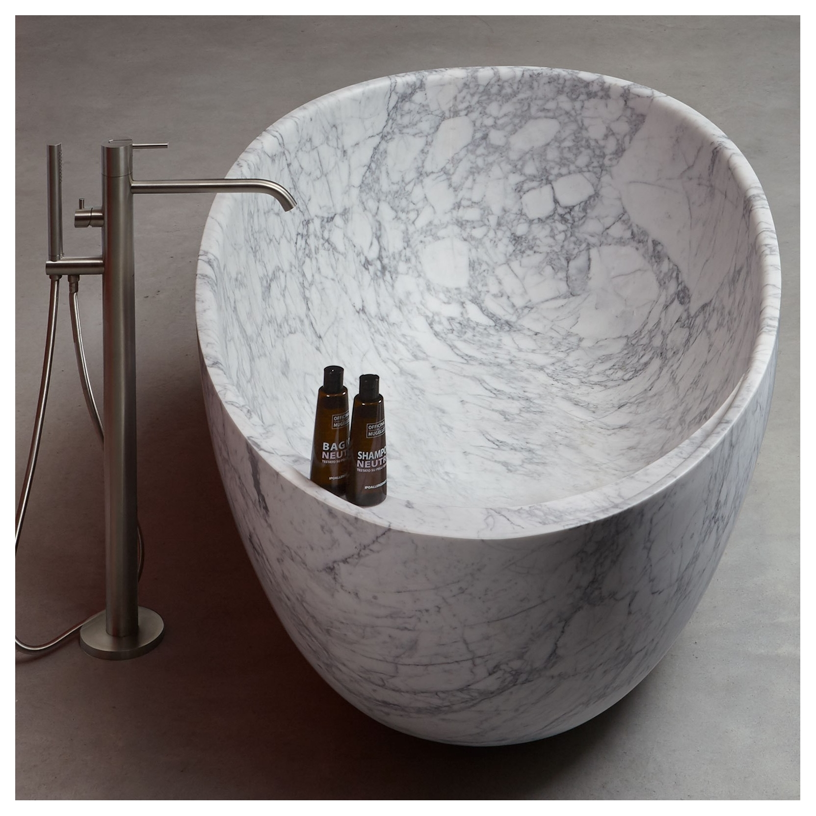 ... ANTONIO LUPI ECLIPSE OVAL CARRARA MARBLE BATHTUB ...